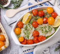 Dorsz pieczony z ziołami i pomidorami