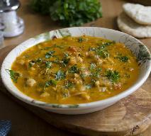 Orientalna zupa cieciorkowa z menu beszamel