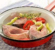 Karp z papryką w sosie pomidorowym