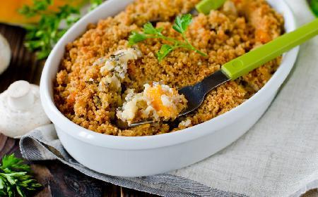 Sycąca zapiekanka ryżowa z dynią i pieczarkami
