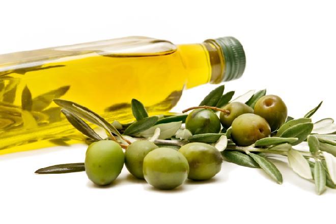 Oliwa z oliwek nie tylko do jedzenia - do czego można użyć oliwy?