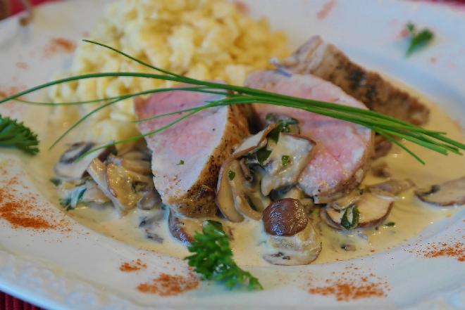 Polędwiczki w sosie grzybowym - idealne na odświętny obiad