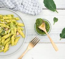 Pesto z liści rzodkiewki: odżywczy i zdrowy sos do makaronu z naci rzodkwi