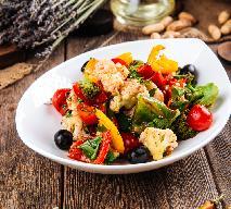Sycylijska sałatka z kalafiora w winegrecie z warzywami: lekka i orzeźwiająca