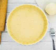 Kruche ciasto twarogowe z 3 składników: idealny przepis na spód do tarty z owocami