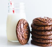 Ciastka brownie: chrupiące na zewnątrz, mięciutkie w środku