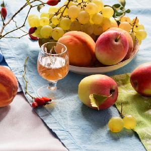Brzoskwiniówka - przepis na aromatyczną nalewkę