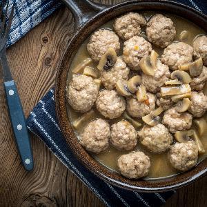 Pulpeciki w sosie musztardowym z pieczarkami - soczyste mięsne kąski w aromatycznym sosie