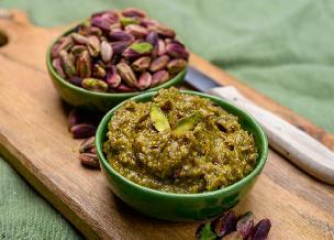Sycylijskie pesto z pistacji i rukoli: przepis bez bazylii, bez orzeszków piniowych