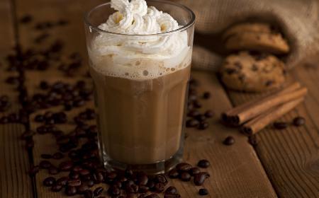 Kawa rozgrzewająca - przepis na kawę, która poprawia samopoczucie w chłodny dzień