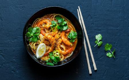 Kokosowe spaghetti z owocami morza