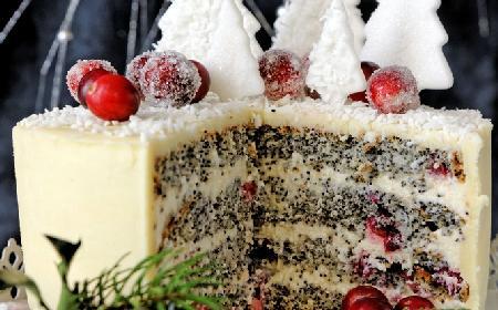Tort makowy z kremem waniliowym: przepis na świąteczne ciasto