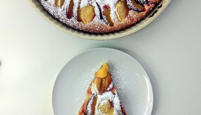 Ciasto twarogowe ze śliwkami i jabłkami
