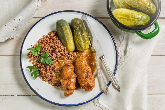 Frykadelki z mielonego mięsa w sosie grzybowym