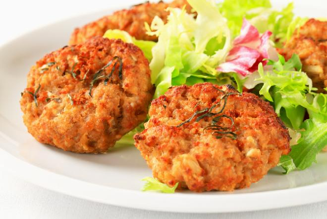 Obłędne cebulowo-ziemniaczane kotlety: obiad praktycznie z niczego