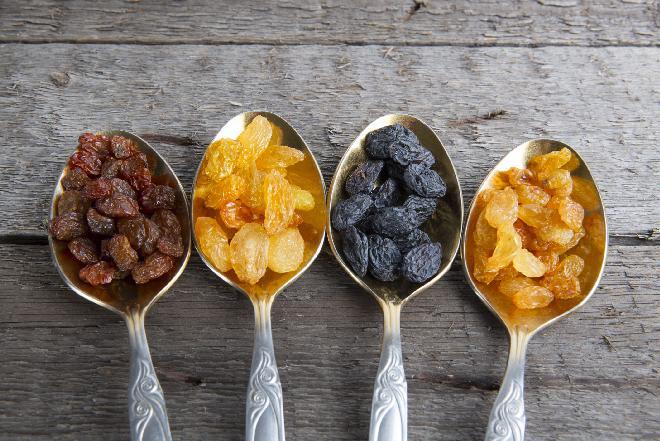 Rodzynki: kalorie, wartości odżywcze, właściwości, wykorzystanie