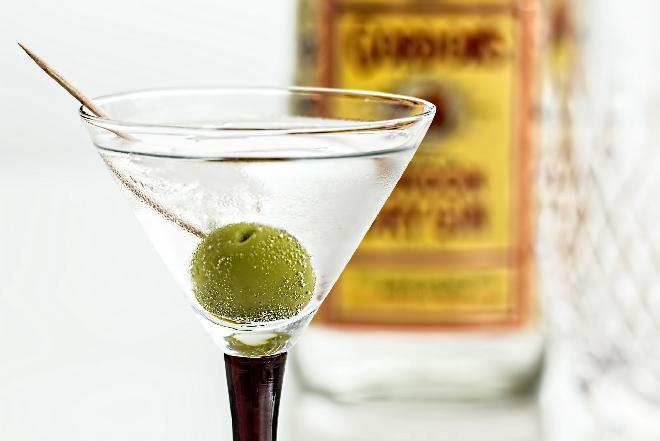 Drinki z ginu - 5 przepisów na drinki z jałowcówką