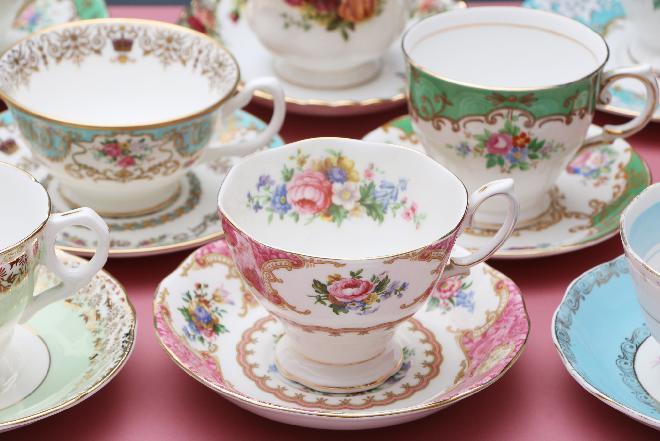 Jak dbać o porcelanę: jak myć porcelanę, żeby jej nie uszkodzić?