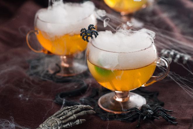 Dymiący drink z wermutem i ginem - jak zrobić?
